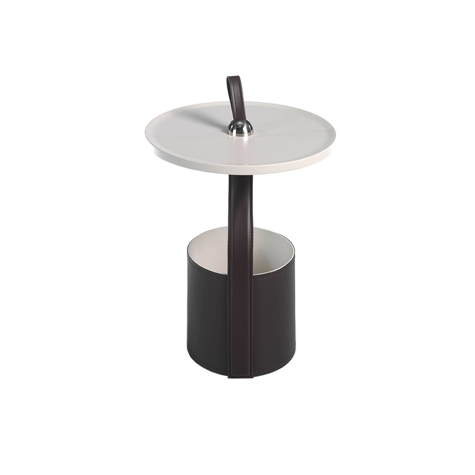 Round corner table in sand-colored wood and chocolate brown leatherette base