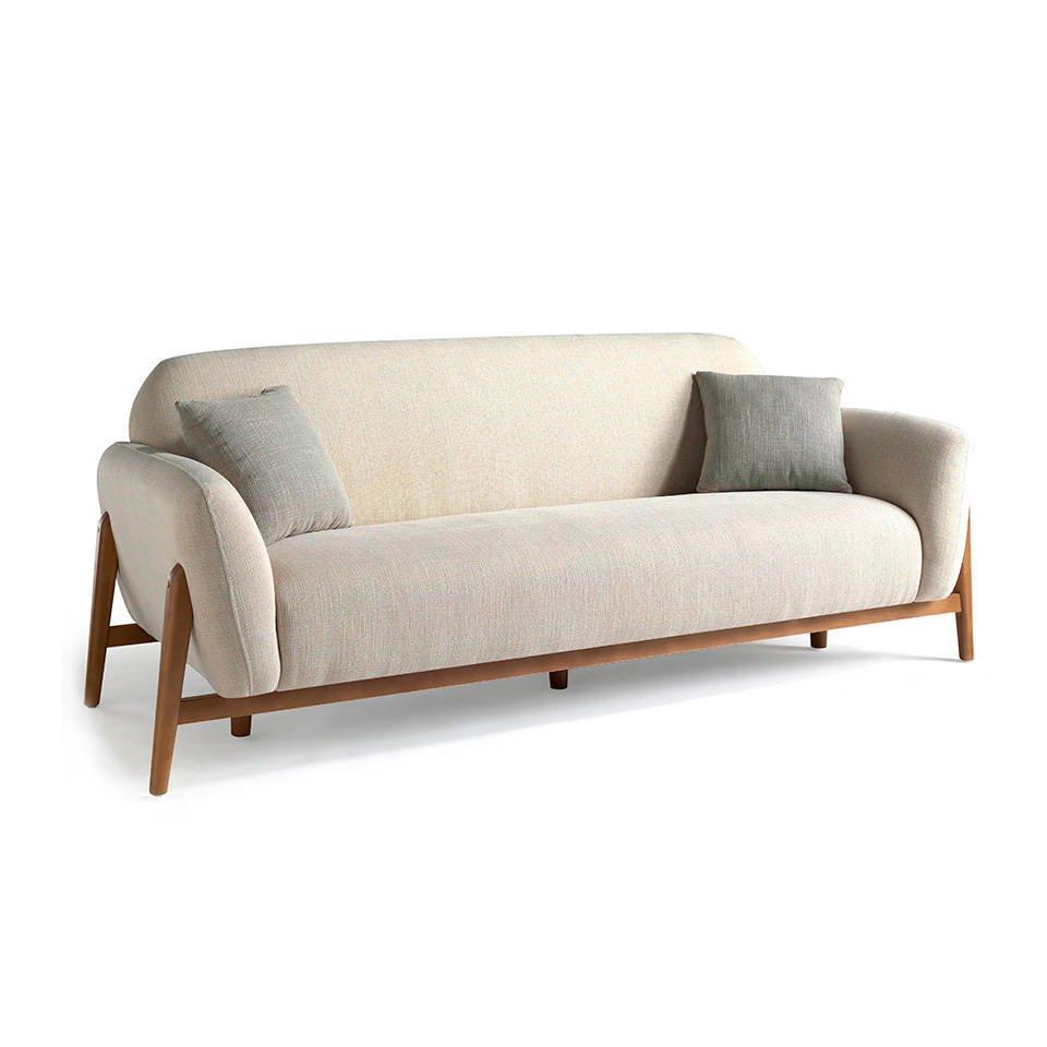 Sofá 3 plazas tapizado en tela con patas de madera