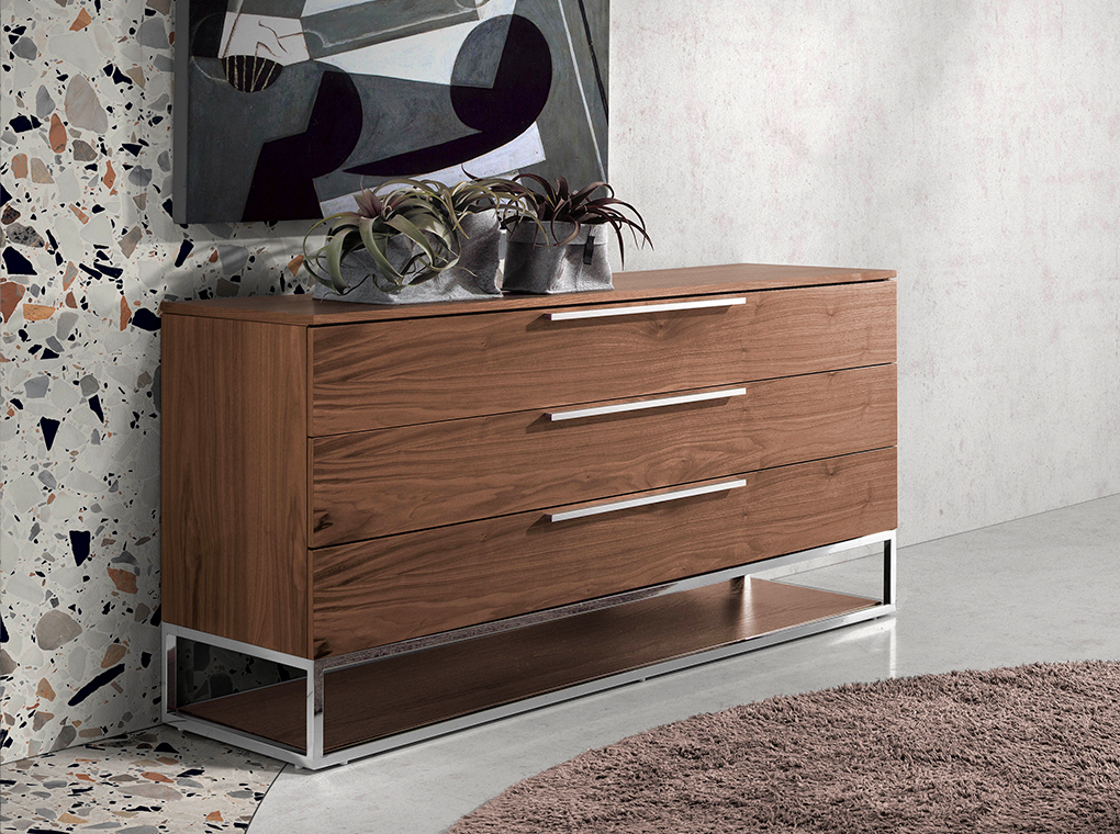Chest of drawers in walnut wood and chrome-plated steel