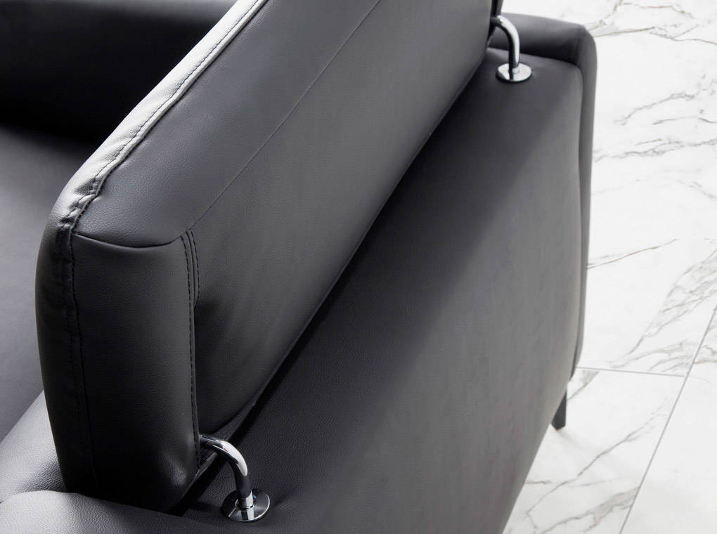 3-seater sofa upholstered in leather with black steel legs