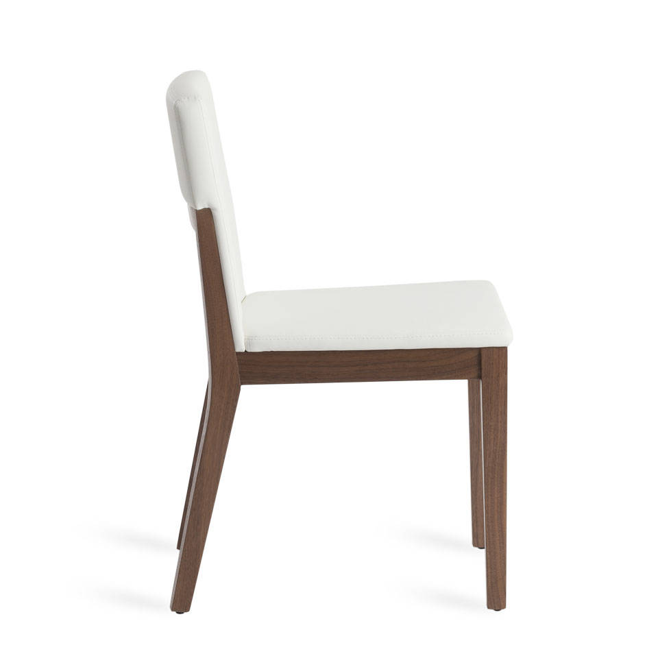 Chair in walnut veneered wood and upholstered seat.