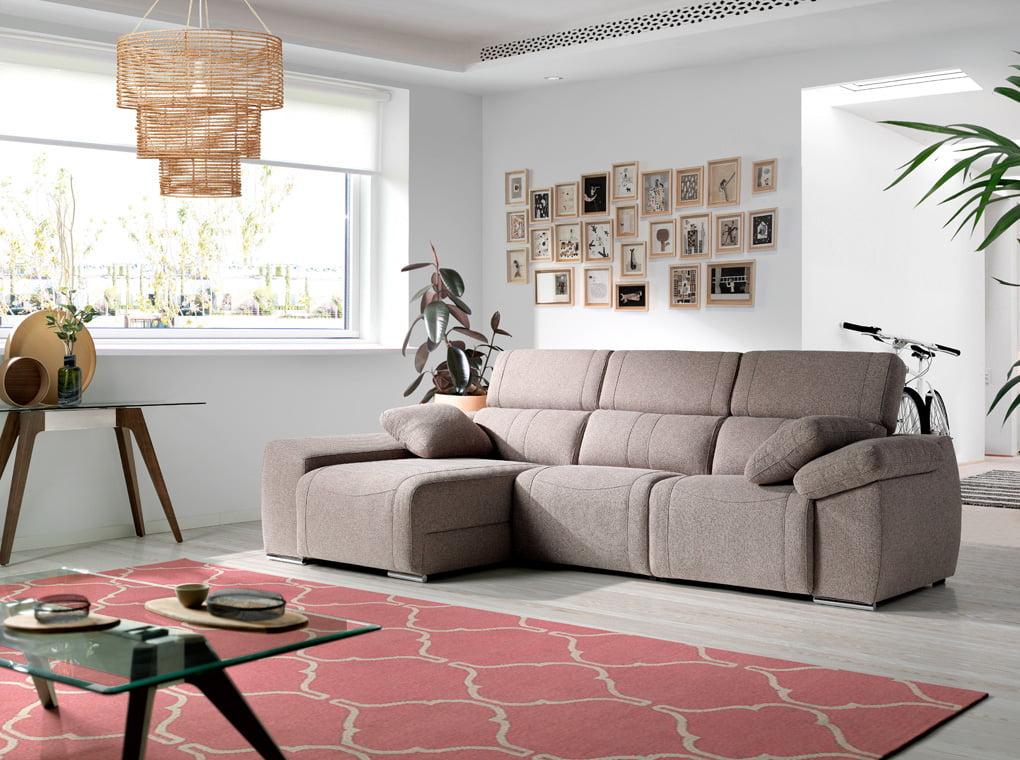 Sofá chaiselong tapizado en tela