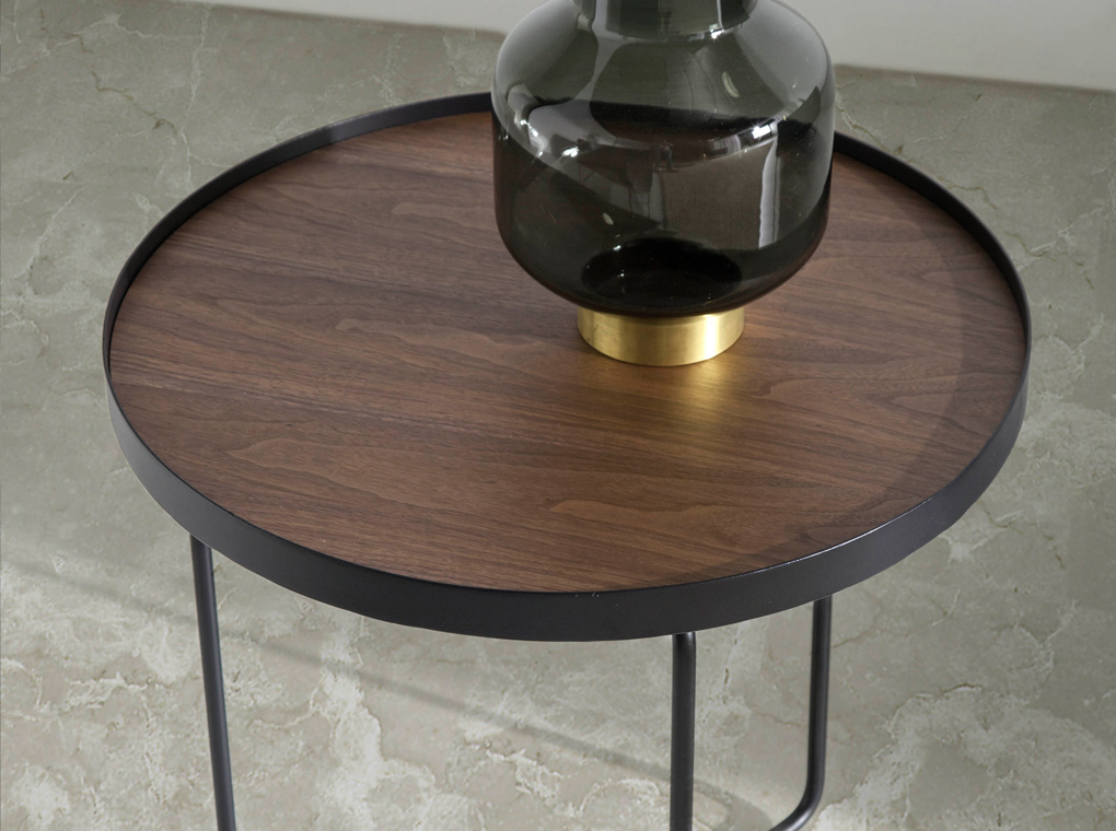 Corner table with metallic structure and Walnut cover.