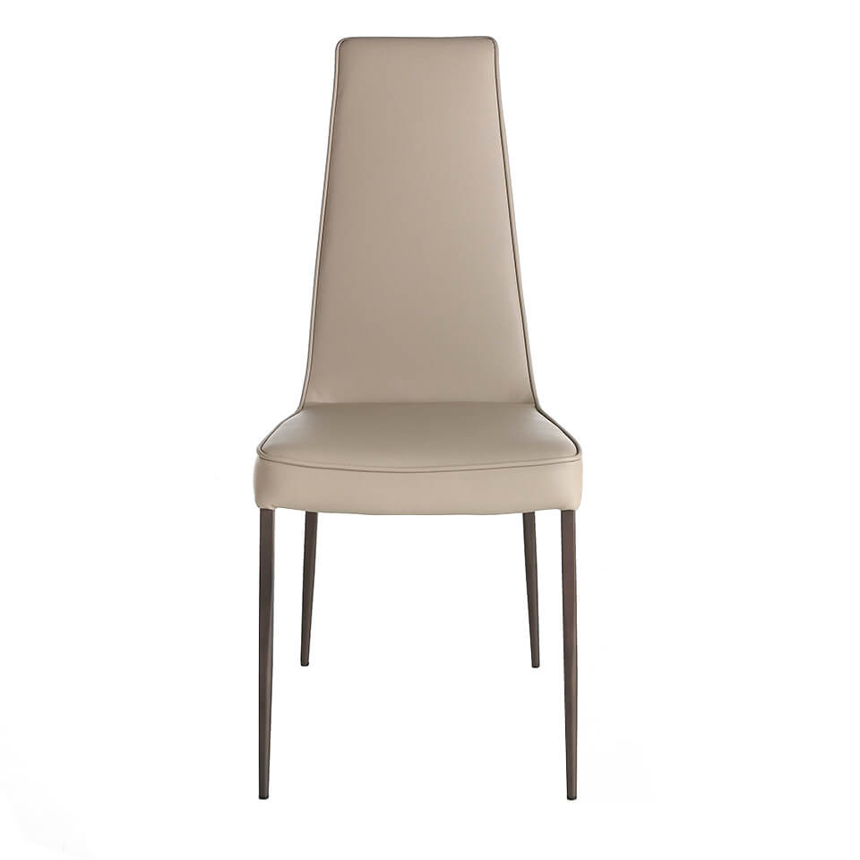 Chair upholstered in leatherette and legs in brown epoxy