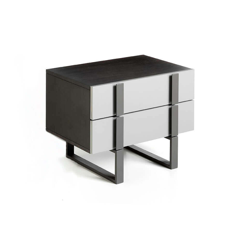 Lacquered bedside table with black steel structure