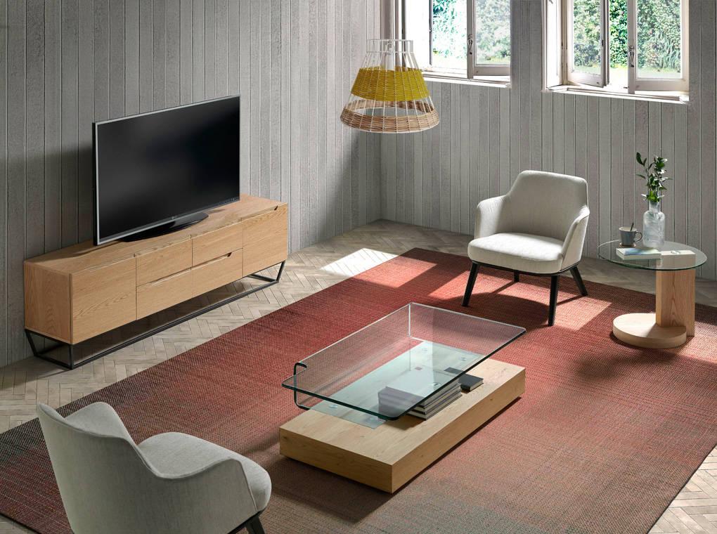 Mueble TV con estructura metálica fabricado en chapa de roble