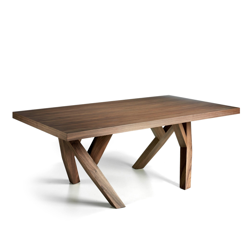 Solid wood dining table veneered in Nogal