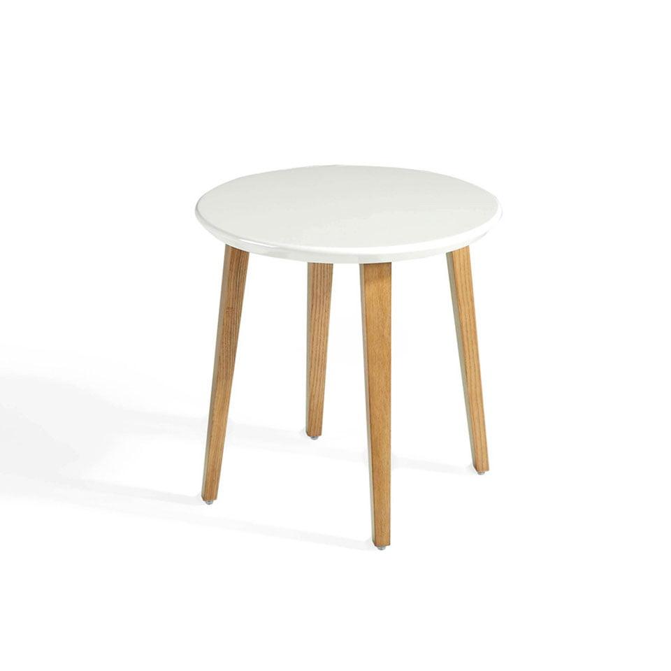 Mesa de rincón con patas de madera maciza chapada en Nogal