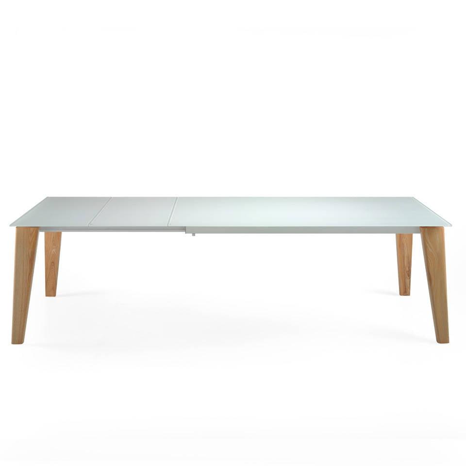 Mesa de comedor extensible fabricada en madera maciza y tapas de cristal templado
