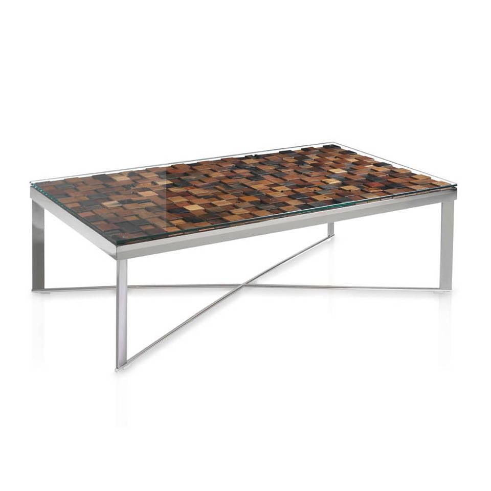 Table basse en acier et plateau en bois recyclé.