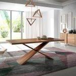 Mesa de comedor de madera maciza de Nogal