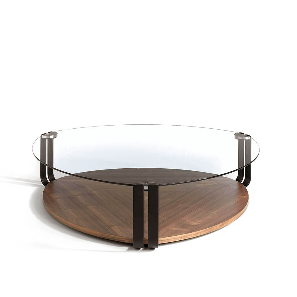 Coffee table in walnut veneer with top in tempered glass