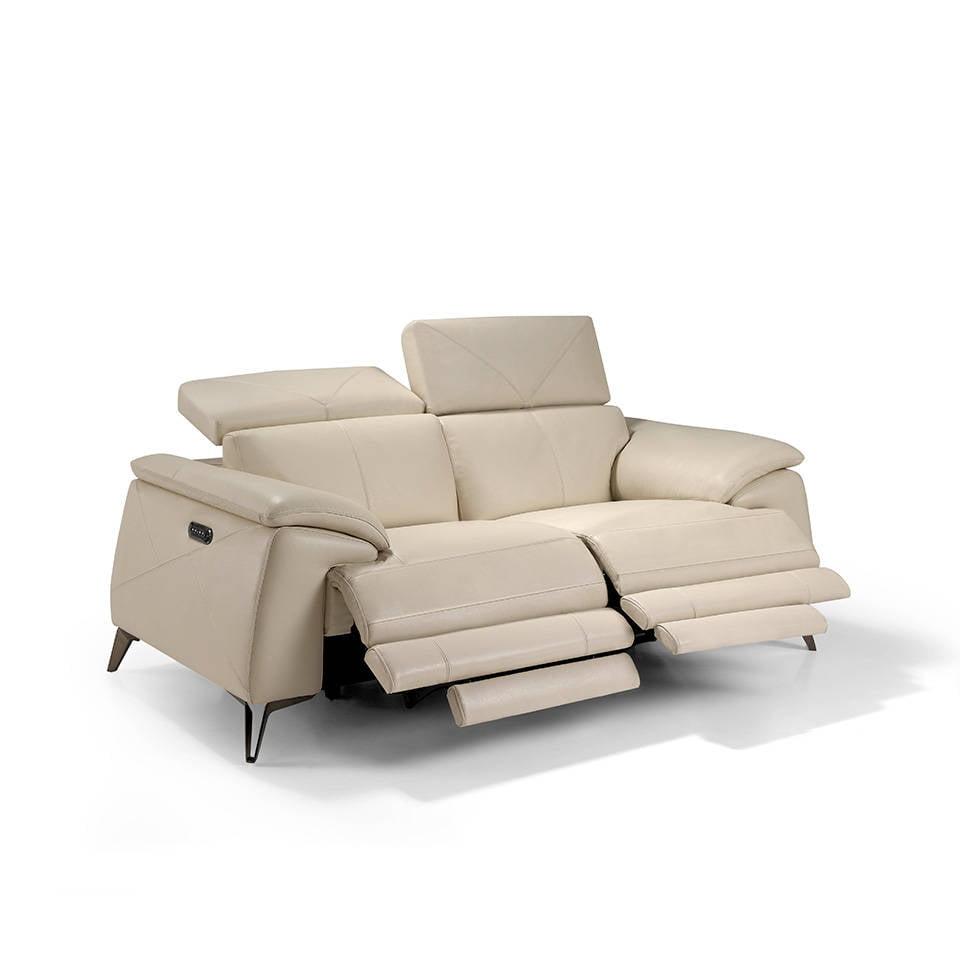 Sofá 2 plazas tapizado en piel con 4 mecanismos relax eléctricos