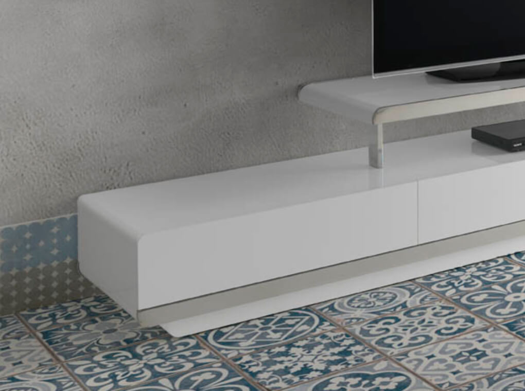 White wooden TV cabinet and chrome steel3-seater sofa upholstered in velvet with Walnut wood legs