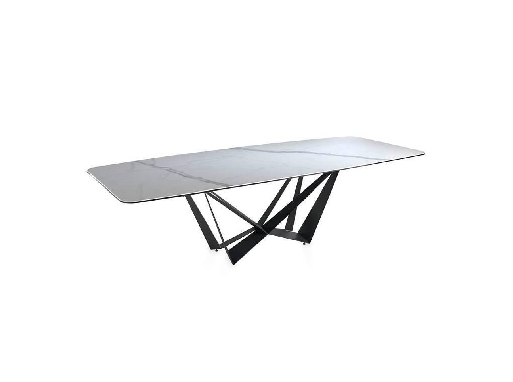 Mesa de comedor rectangular con estructura de acero y tapa de mármol porcelánico