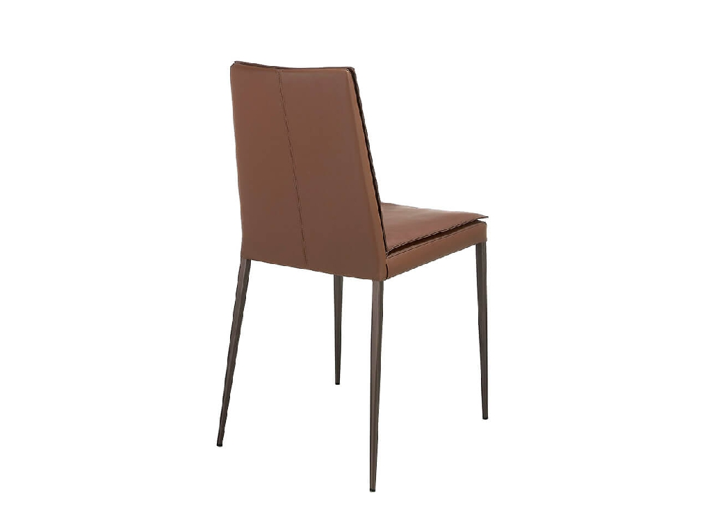 Chair upholstered in leatherette with legs in brown epoxy