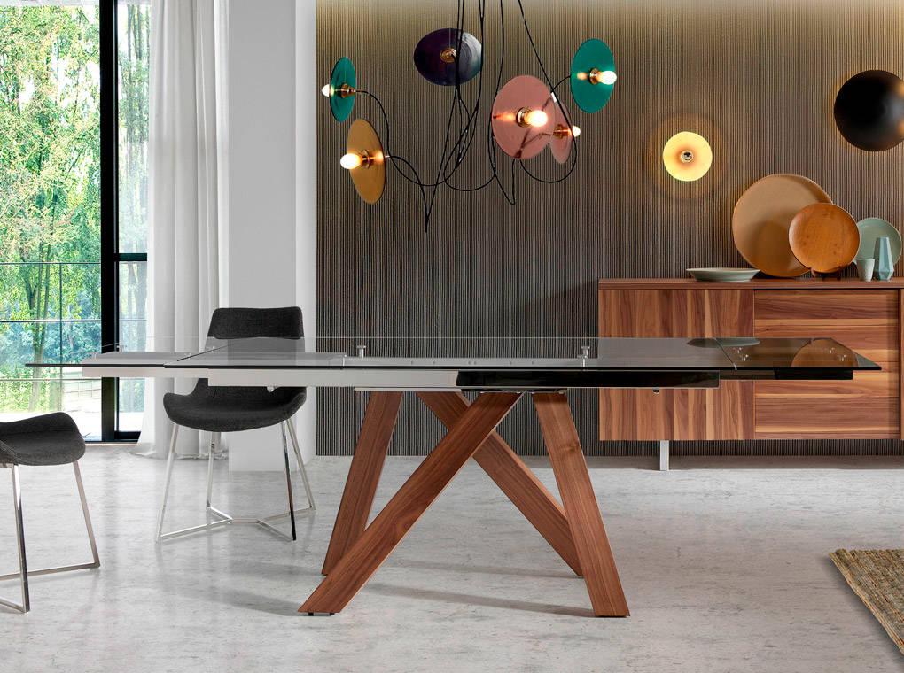 Mesa de comedor extensible con patas de madera maciza y tapas de ...